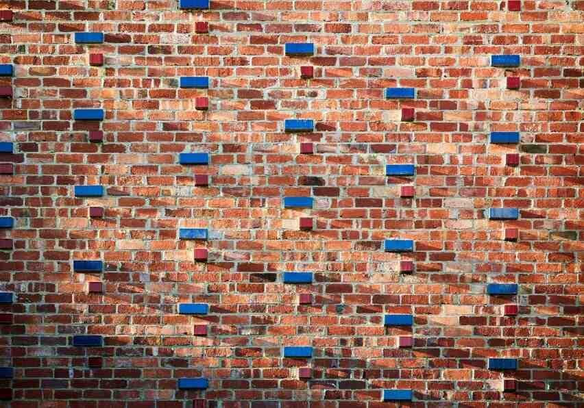 Comment faire un plâtre sur un mur de terre?