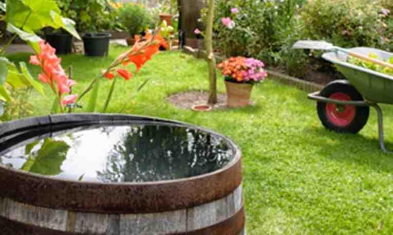 Comment filtrer naturellement l'eau de pluie?