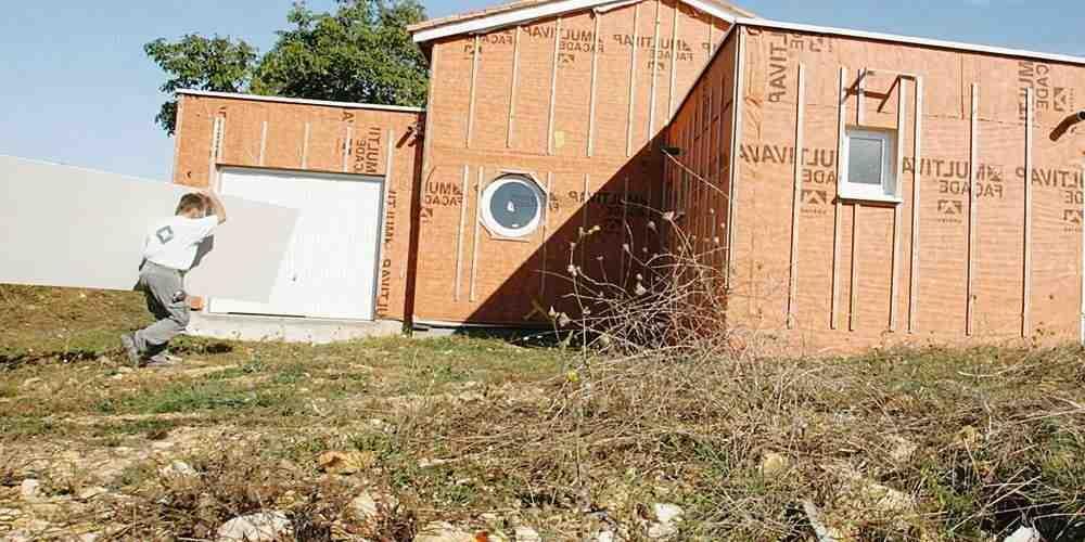 Comment isoler une cabane en rondins?