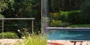 Écoconstruction Comment aménager un jardin autour d'une piscine ?